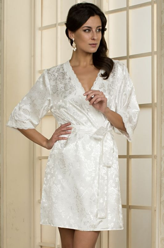48c03681b5746 Молочный шелковый халат на запах купить в интернет-магазине Comfortstory