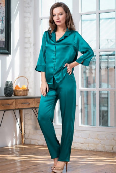993bd9dc1d2 Изумрудная шелковая пижама от итальянского производителя
